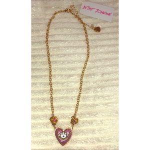 Betsey Johnson Heart Necklace. NWT
